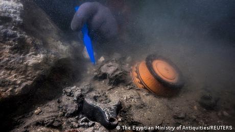 A partially buried pot underwater was found in the sunken city of Heraklion