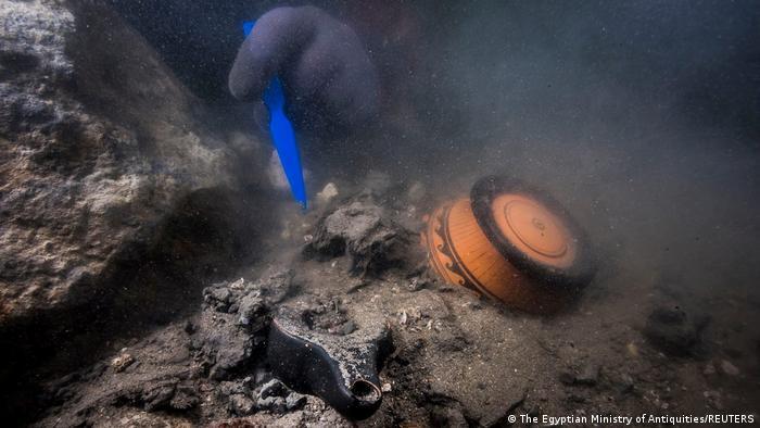 Trabajo submarino en Heraklion.