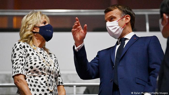 رهبران و مقامات سیاسی جزو اندک تماشاگران افتتاحیه المپیک توکیو بودند؛ از امانوئل مکرون رئیس جمهور فرانسه تا جیل بایدن، بانوی اول آمریکا.
