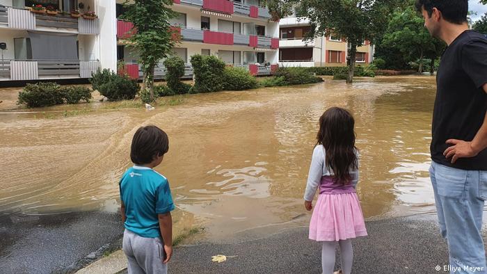 Ellya melewati ulang tahun di masa banjir di Jerman