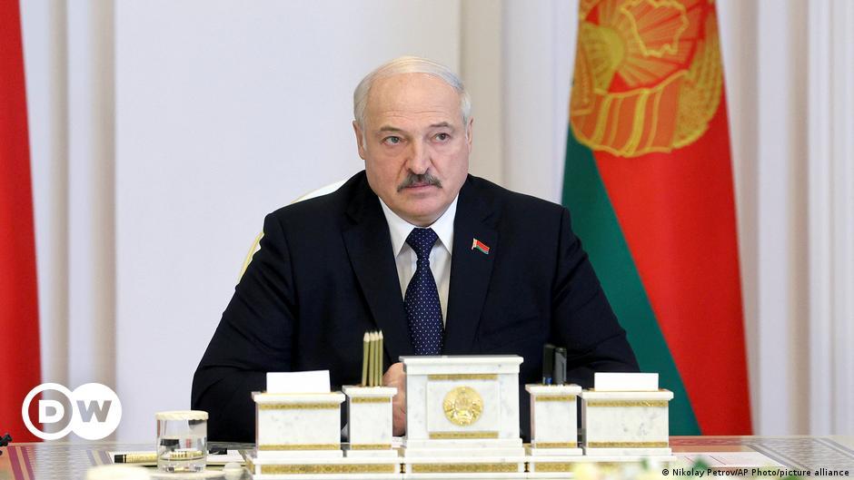 Belarus: Alexander Lukaschenko löst dutzende NGOs auf