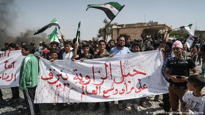 من مظاهرات اليوم أمام القواعد التركية في إدلب