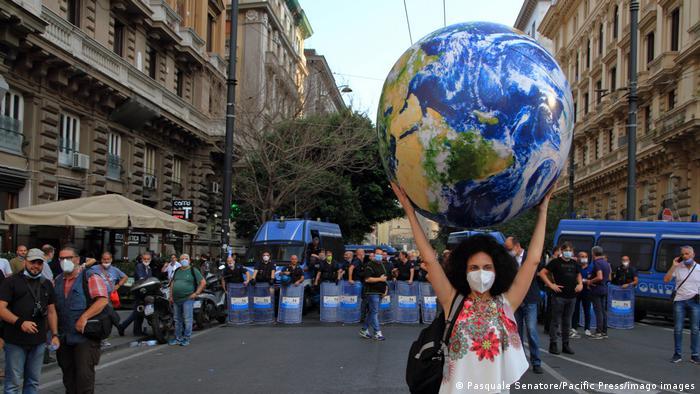 Протесты против G20 в Неаполе