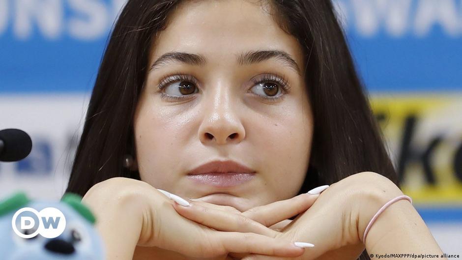Syrian swimmer Yusra Mardini provides message of hope at Olympics