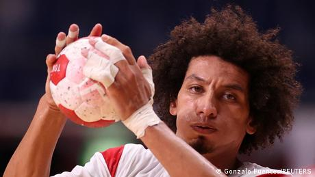 علي محمد لاعب المنتخب المصري لكرة اليد
