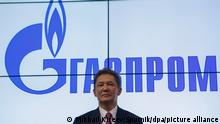 3119596 06/02/2017 Alexei Miller, Chairman of the Management Board, Gazprom, during a documents signing ceremony at the 2017 St. Petersburg International Economic Forum. Mikhail Kireev/Sputnik Foto: Mikhail Kireev/Sputnik/dpa