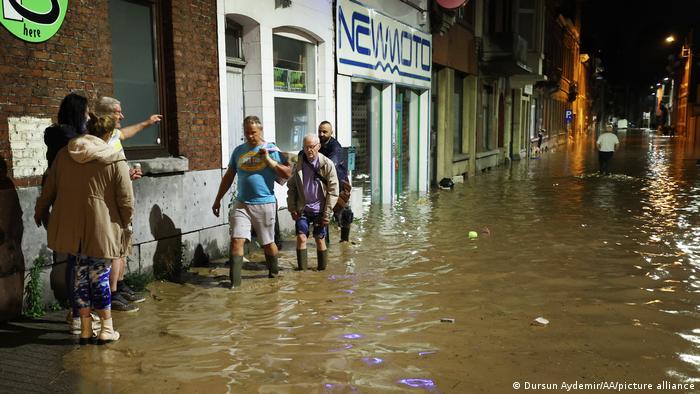 Namur, Belgien | Hochwasser nach Starkregen