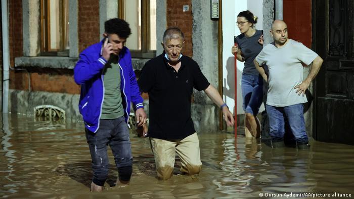 در اثر موج جدید سیلاب در مناطق جنوبی کشور بلژیک خسارات زیادی به بار آمده است. این در حالی است که هنوز گزارشی درباره قربانیان یا مجروحان این سیلاب جدید در اختیار رسانهها قرار نگرفته است. به نظر میرسد، سیلاب این بار بیشتر باعث ویرانی شده است.