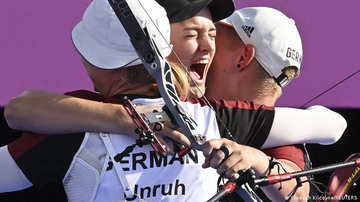 Olympia 2020 Tokio l Bogenschießen - Deutsches Team holt Bronze