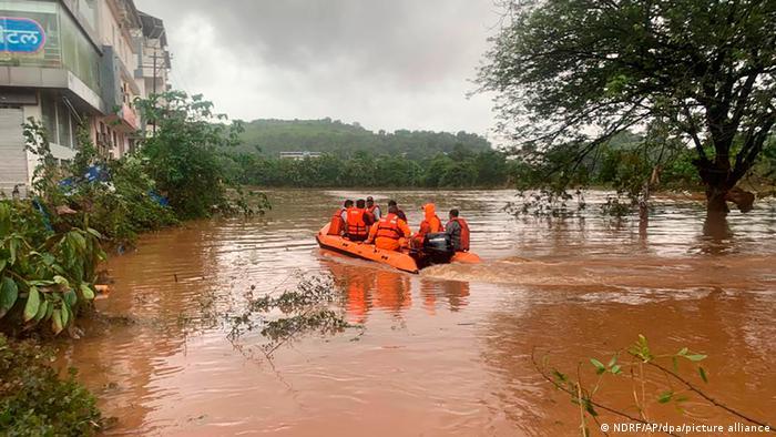 Einsatz von Rettungskräften in der Region der Stadt Chiplun