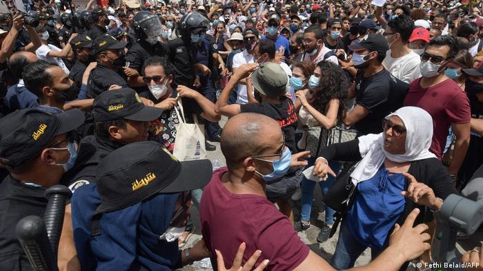 Aksi unjuk rasa warga Tunisia