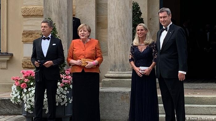 Nemačka kancelarka Angela Merkel sa suprugom i premijer Bavarske Markus Zeder sa suprugom na otvaranju ovogodišnjeg Festivala u Bajrojtu
