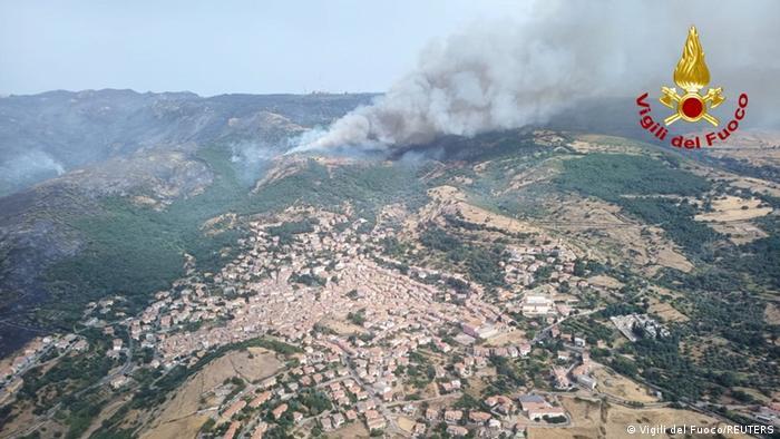 Kebakaran di Sardinia, Italia