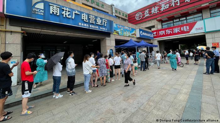 China Nanjing | Tests nach Coronavirusausbruch