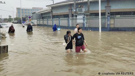 China Ningbo |Überschwemmung Taifun In-fa