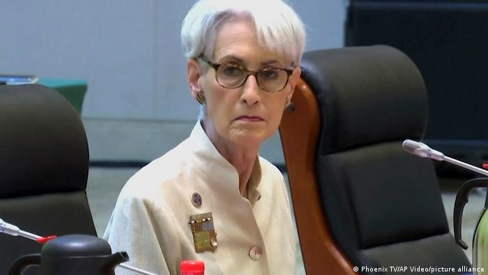 Wendy Sherman before talks with Chinese officials in Tianjin