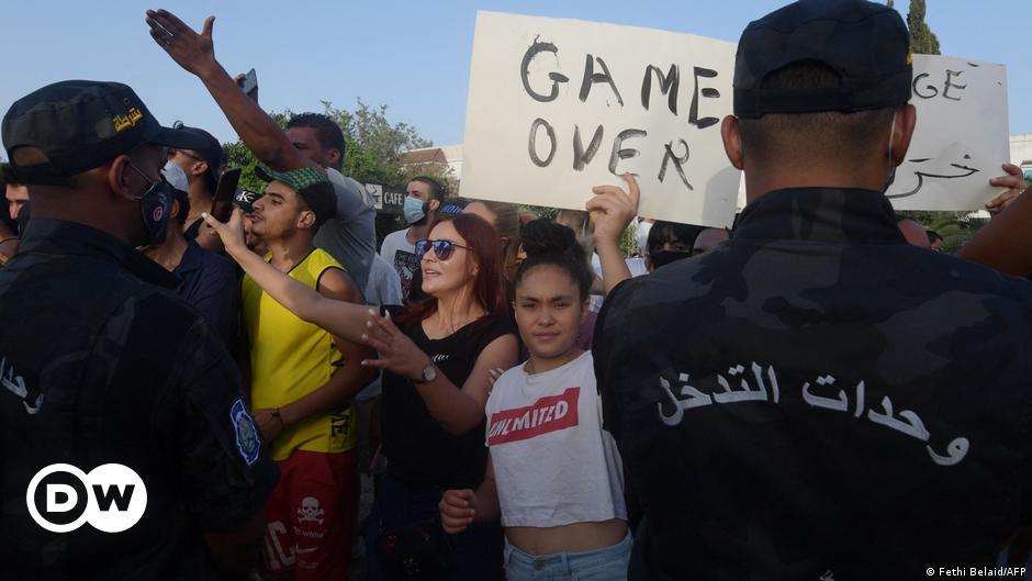 Opinion: Tunisia's democracy in danger