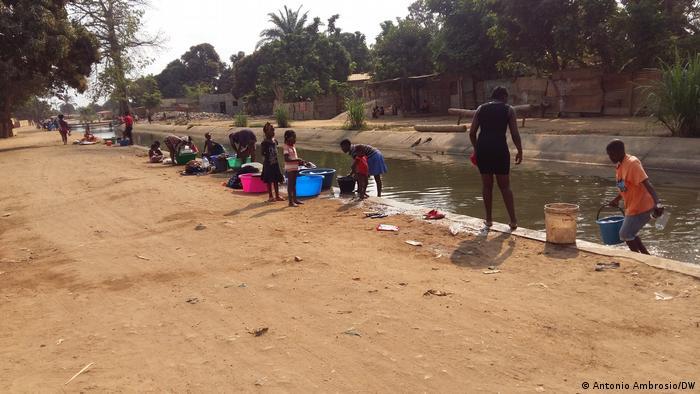 Angola Bengo | Streik Wasserwerk, Menschen und Wasserproblem
