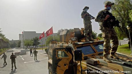 الهدوء يخيم على تونس العاصمة غداة توتر وانتشار للجيش في بعض المناطق (26 يوليو/تموز 2021)