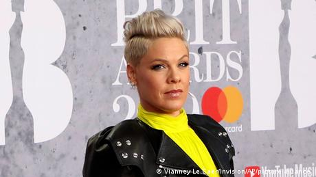 <div>Singer Pink offers to pay fine for Norway's beach handball team over 'sexist' clothing</div>