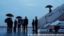 Antony Blinken, Außenminister der USA, kommt für ein Treffen mit seinen diplomatischen Amtskollegen am Flughafen von Neu Delhi an. +++ dpa-Bildfunk +++27.07.2021