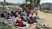 Usha Dubey/Privat Keywords : Mohalla Class, School Class during lockdown When picture was taken? – August – September, 2020 Where was picture taken? – Badhan Block, Singrouli District, Madhya Pradesh, India Picture Description – Children studying near the household space