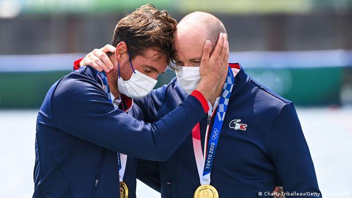متیو آندرودیاس و هوگو بوشرون از فرانسه در رشته قایقرانی دونفره به مدال طلا دست یافتند. فرانسه به ورزشکاران خود برای کسب مدال طلا ۶۵ هزار یورو، مدال نقره ۲۵ هزار یورو و مدال برنز نیز ۱۵ هزار یورو جایزه نقدی پرداخت میکند.