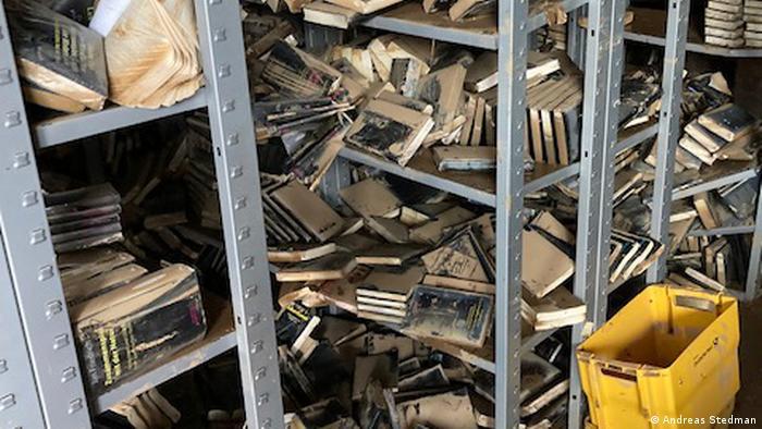Книги издательства, пострадавшие от наводнения