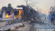 In der türkischen Urlaubsregion Antalya-Manavgat sind mehrere schwere Waldbrände ausgebrochen. Winde trieben die Flammen in Richtung der Wohnbezirke. ANTALYA'NIN MANAVGAT ILCESINDE SAAT 12.05 SIRALARINDA BASLAYAN YANGINA, CEVRE ILLERDEKI EKIPLERIN DE DESTEGIYLE KARADAN VE HAVADAN MUDAHALE SURUYOR.(KALEMLER MAHALLESI)(FOTO:IBRAHIM LALELI/ANTALYA-DHA)