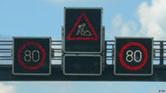 Obras de construcción en la carretera A1 en Alemania (DW)