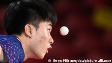 Tischtennis: Olympia, Vorkampf, Einzel, Männer, Viertelfinale, Yun-Ju (Taiwan) - Jorgic (Slowenien) . Lin Yun-Ju in Aktion.