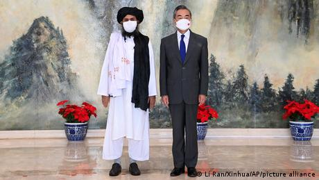 China Tianjin | Talibanführer Mullah Abdul Ghani Baradar trifft Außenminister Wang Yi