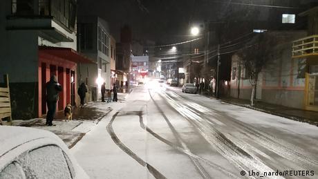 Foto de una calle de Río Grande do Sul con nieve