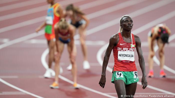 Niyonsaba lors après la course de 5000 m lors des JO de Tokyo 2020