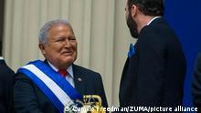 June 2, 2019 - San Salvador, El Salvador - NAYIB BUKELE shakes the hand of former salvadoran president SANCHEZ CEREN. (Credit Image: © Camilo Freedman/ZUMA Wire
