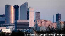 Paris, France March 21, 2017 - Illustrative picture of Paris - La Defense Parisian business area ECONOMIE, SKYLINE, HAUTS DE SEINE, VUE DE PARIS, PAYSAGE URBAIN, CARTE POSTALE, PANORAMA, ILLUSTRATION, ILLUSTRATIF, GENERIQUE, LE GRAND PARIS, ILE DE FRANCE, URBANISME, CREPUSCULE, SOIR, FRANCILIENS, AGGLOMERATION PARISIENNE, CAPITALE EUROPEENNE, TOURISME, CAPITALE FRANCAISE, ECONOMIE, GRATTES CIEL, IMMEUBLE, CAPITALISME, FINANCE, QUARTIER FINANCIER, ARGENT, CAC40, CAC 40, ENTREPRISES, COTATION EN BOURSE, ARCHITECTURE, SKYLINE SILHOUETTE, MULTINATIONALES FRANCAISES, BUSINESS, IMMOBILIER, BREXIT, HAUTS DE SEINE, AUTORITE BANCAIRE EUROPEENNE, EBA, DEFACTO, EPADESA, MARCHES FINANCIERS, EMPLOI, CONJONCTURE, CROISSANCE, EMBAUCHES, BANLIEUE PARISIENNE, TOUR SOCIETE GENERALE, TOUR EIFFEL PUBLICATIONxNOTxINxFRA Copyright: xVincentxIsorex