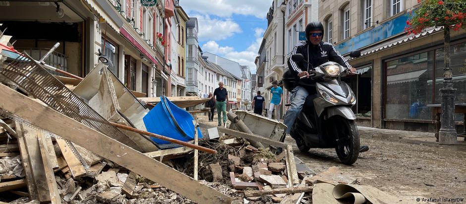 вулиця у місті Бад-Ноєнар після повені