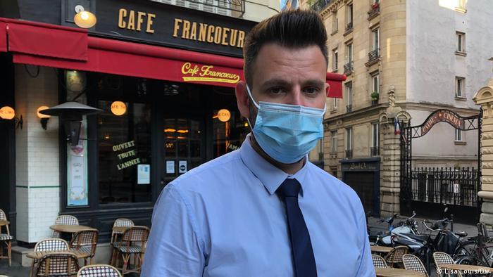 Sylvain Bellaud, pemilik Cafe di Paris