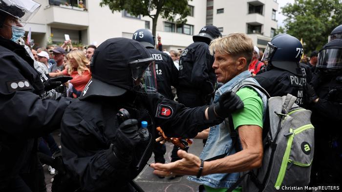 Protesta de antivacunas y negacionistas en Berlín.