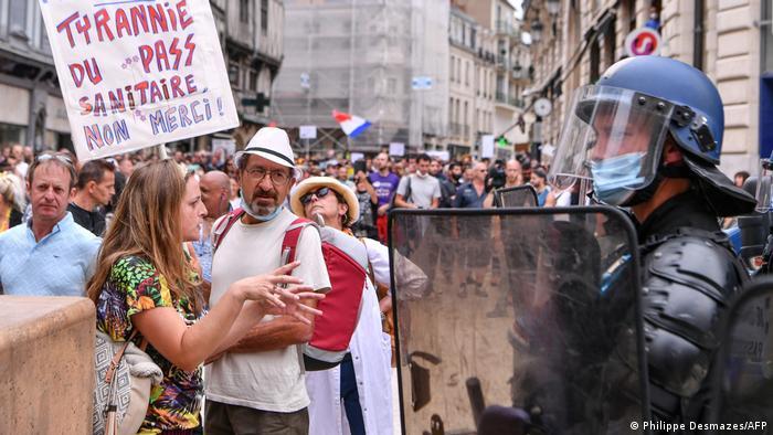 Закон спричинив у Франції хвилю протестів