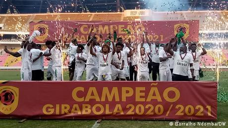 Angola Fußball Sagrada Esperança Meister