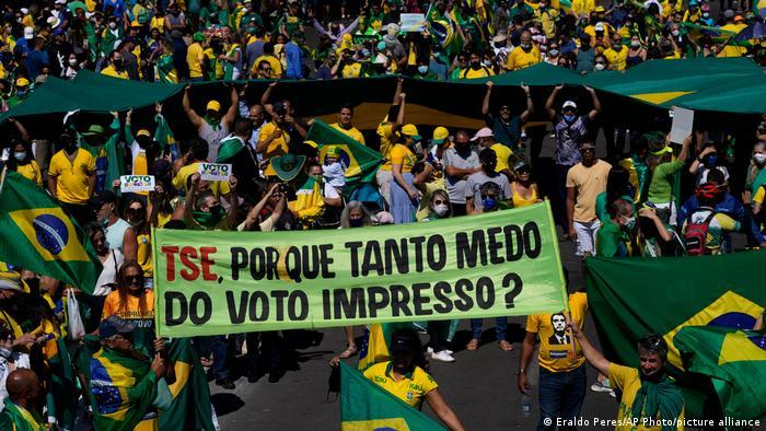 Protesto de apoiadores de Bolsonaro em defesa do voto impresso em Brasília, no dia 1º de agosto