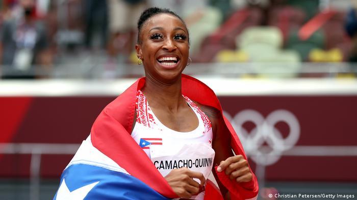 Jasmine Camacho-Quinn merayakan emas lintasan dan lapangan pertama Puerto Riko