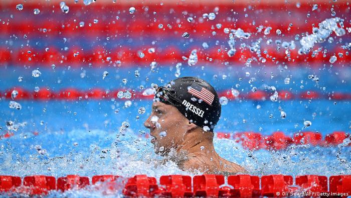کائلب درسل، ستاره شنای آمریکا با شکستن رکورد المپیک در رشته ۵۰ متر شنای آزاد نه تنها قهرمان این پیکار شد، بلکه چهارمین مدال طلایی خود در المپیک توکیو را شکار کرد.