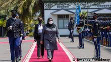 President Kagame welcomes President Suluhu Hassan at Urugwiro Village (State house) in Kigali where they are now holding a tête-à-tête meeting. Keywords : Rwanda,Tanzania,Samia Suluhu,Paul Kagame