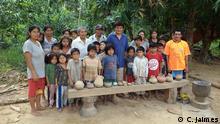 Comunidad Tsimane, en Cara Cara, Beni - Bolivia mostrando su colección arqueológica.