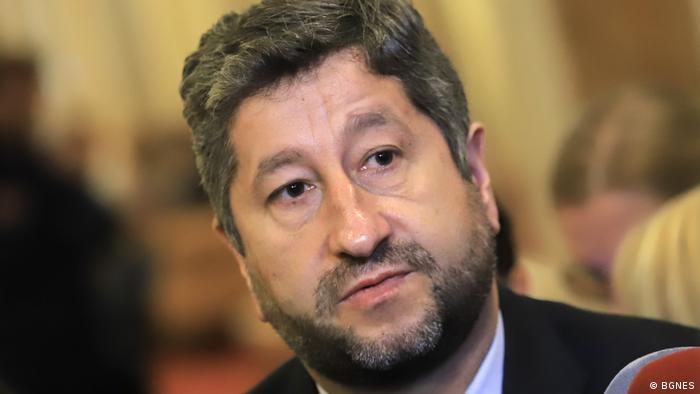 Христо Иванов обяви от парламентарната трибуна, че от ДБ биха искали в новия кабинет да влязат хора като Кирил Петков, Асен Василев и професор Николай Денков.