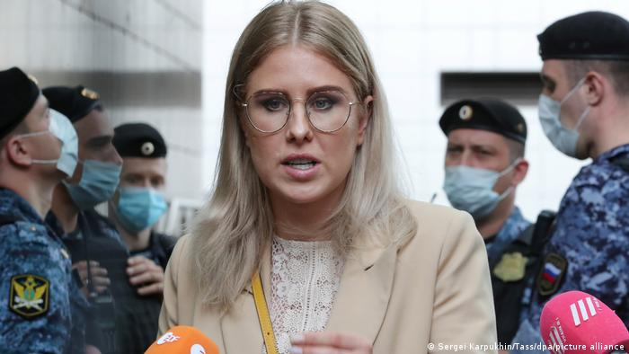 Оппозиционный политик Любовь Соболь после судебного заседания в Москве, 3 августа 2021 года