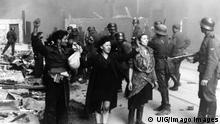 Polish Jewish resistance women, captured after the destruction of the Warsaw Ghetto in 1943. Among them was Malka Zdrojewicz (right), who survived Majdanek extermination camp. PUBLICATIONxINxGERxSUIxAUTxHUNxONLY 917_33_WHA_100_0246 Polish Jewish Resistance Women captured After The Destruction of The Warsaw Ghetto in 1943 among THEM what Malka Right Who SURVIVED Majdanek extermination Camp PUBLICATIONxINxGERxSUIxAUTxHUNxONLY 917_33_WHA_100_0246