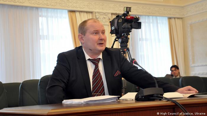Микола Чаус у 2015 році на засіданні Тимчасової спеціальної комісії з перевірки суддів судів загальної юрисдикції